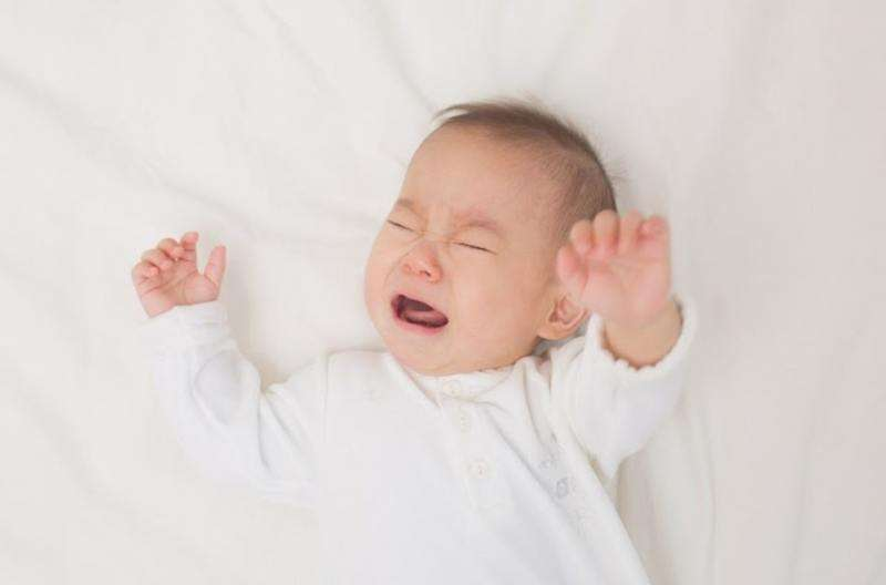 6 Dấu hiệu nguy hiểm nên cảnh giác khi trẻ bị ngã đập đầu phía sau