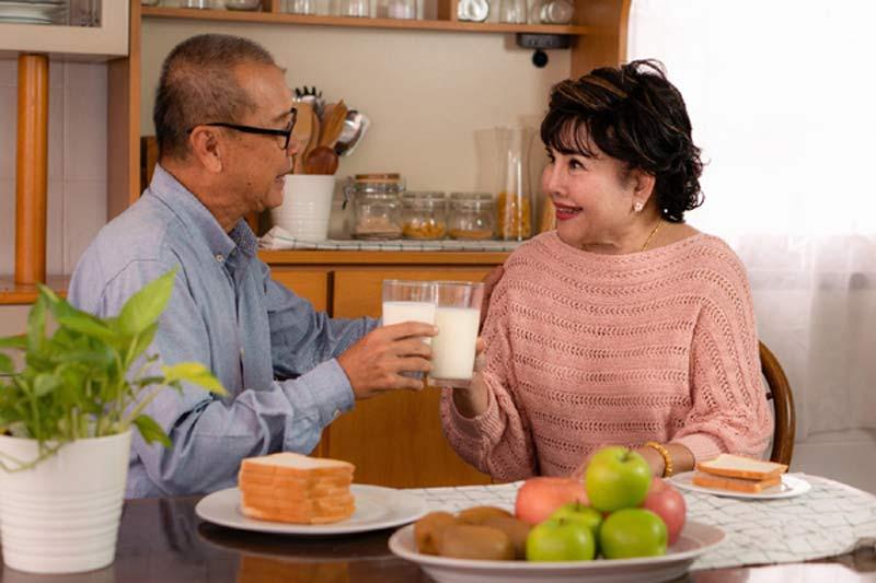 Dinh dưỡng người lớn tuổi