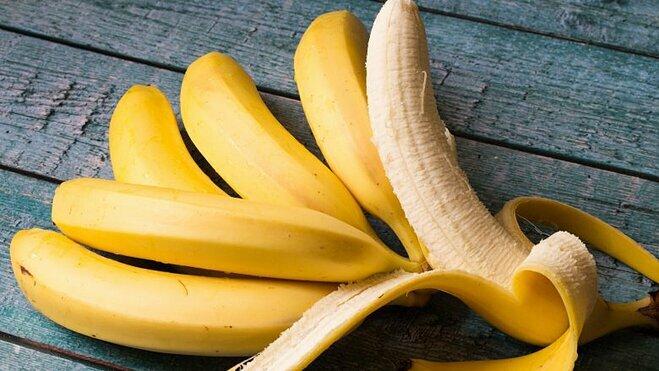 Chuối là loại trái cây mẹ bầu phải đưa vào thực đơn hàng ngày do nó giúp tăng sức đề kháng
