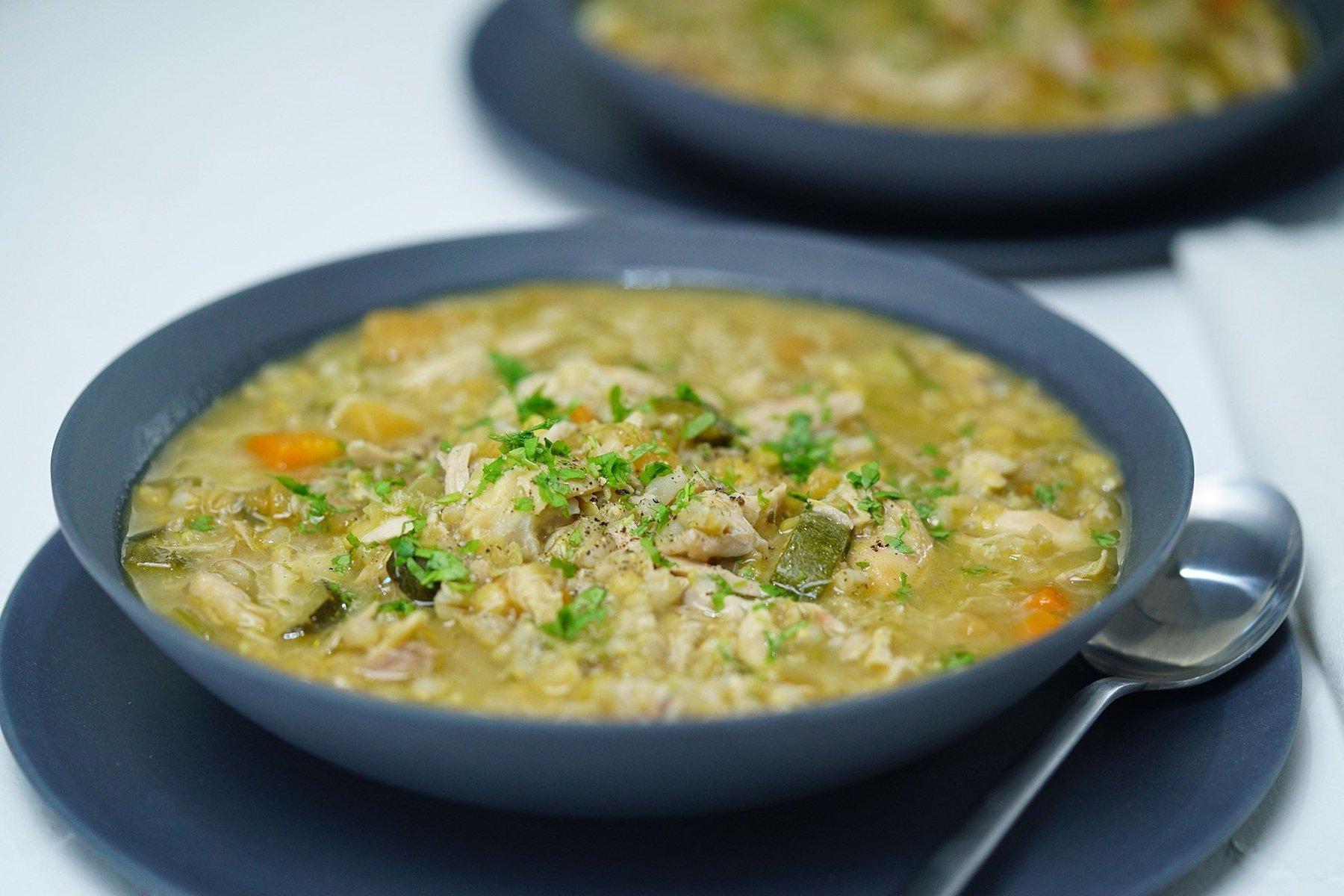 Nên ăn cháo loãng hoặc súp